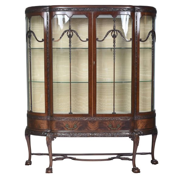 English Chippendale Style Mahogany Breakfront Display Cabinet, C.A. 1900's